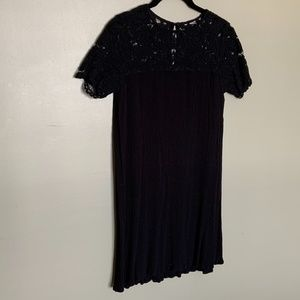 H&M black lace crepe short sleeve dress holiday